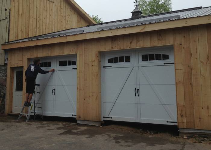 Eastman E-22, 9' x 8', Ice White doors and overlays